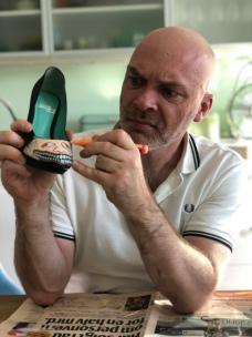 Jon Andreas Håtun customizing IBO shoes
